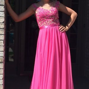Prom dress. Worn once. In good condition
